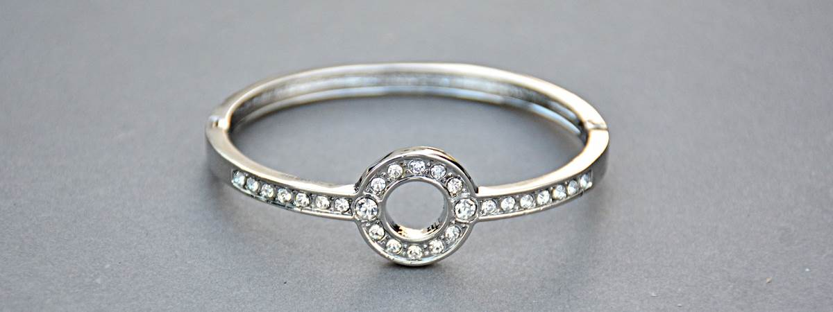 a halo of small diamonds ring